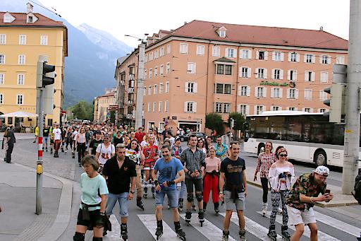 Beim innbruck passathon werden zahlreiche Teilnehmer mit Skates, Fahrrad oder Laufschuhen dabei sein.