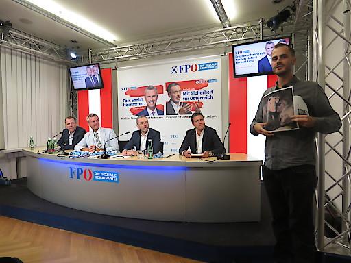 Tierschützer fordert Antwort zu Schweine-Vollspalten von Kickl und Hofer bei FPÖ-PK