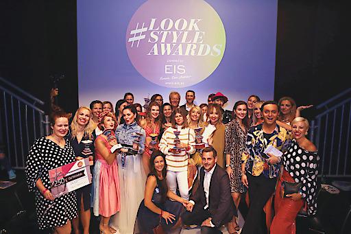 Gruppenfoto der Siegerinnen der #lookstyleawards2019