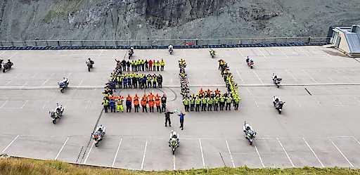 Weltweit größtes internationales Training für Polizeimotorradfahrer auf der Großglockner Hochalpenstraße