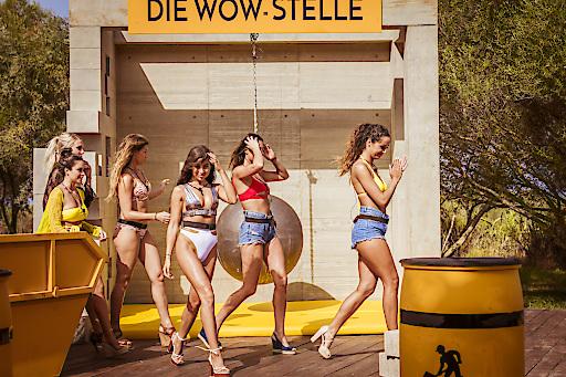 """Spiel: Die Wow-Stelle. Gruppe Frauen. Weiterer Text über ots und www.presseportal.de/nr/6605 / Die Verwendung dieses Bildes ist für redaktionelle Zwecke honorarfrei. Veröffentlichung bitte unter Quellenangabe: """"obs/RTL II/RTL II/Paris Tsitsos"""""""