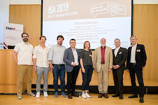 https://www.apa-fotoservice.at/galerie/20335 v.l.n.r.: Jaro Krieger-Lamina, Michael Katzlberger, Alexander Wahler, Markus Gratzer, Katharina Schell, Burkhard Schafer, Harald Kapper, Franz Zeller