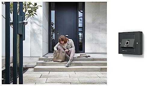 Keine Schlüsselsuche, mehr Sicherheit und Komfort im Smart Home mit Gira-Keyless-In-Fingerprint.
