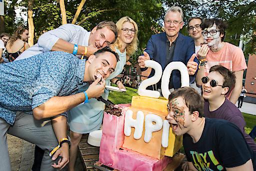 """Das Hasso-Plattner-Institut feiert 20-jähriges Bestehen. Foto: HPI/K. Herschelmann Weiterer Text über ots und www.presseportal.de/nr/22537 / Die Verwendung dieses Bildes ist für redaktionelle Zwecke honorarfrei. Veröffentlichung bitte unter Quellenangabe: """"obs/HPI Hasso-Plattner-Institut"""""""