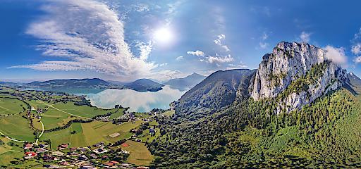 Hochauflösendes 360° Panorama Drachenwand aus der 360° Tour Mondseeland -
