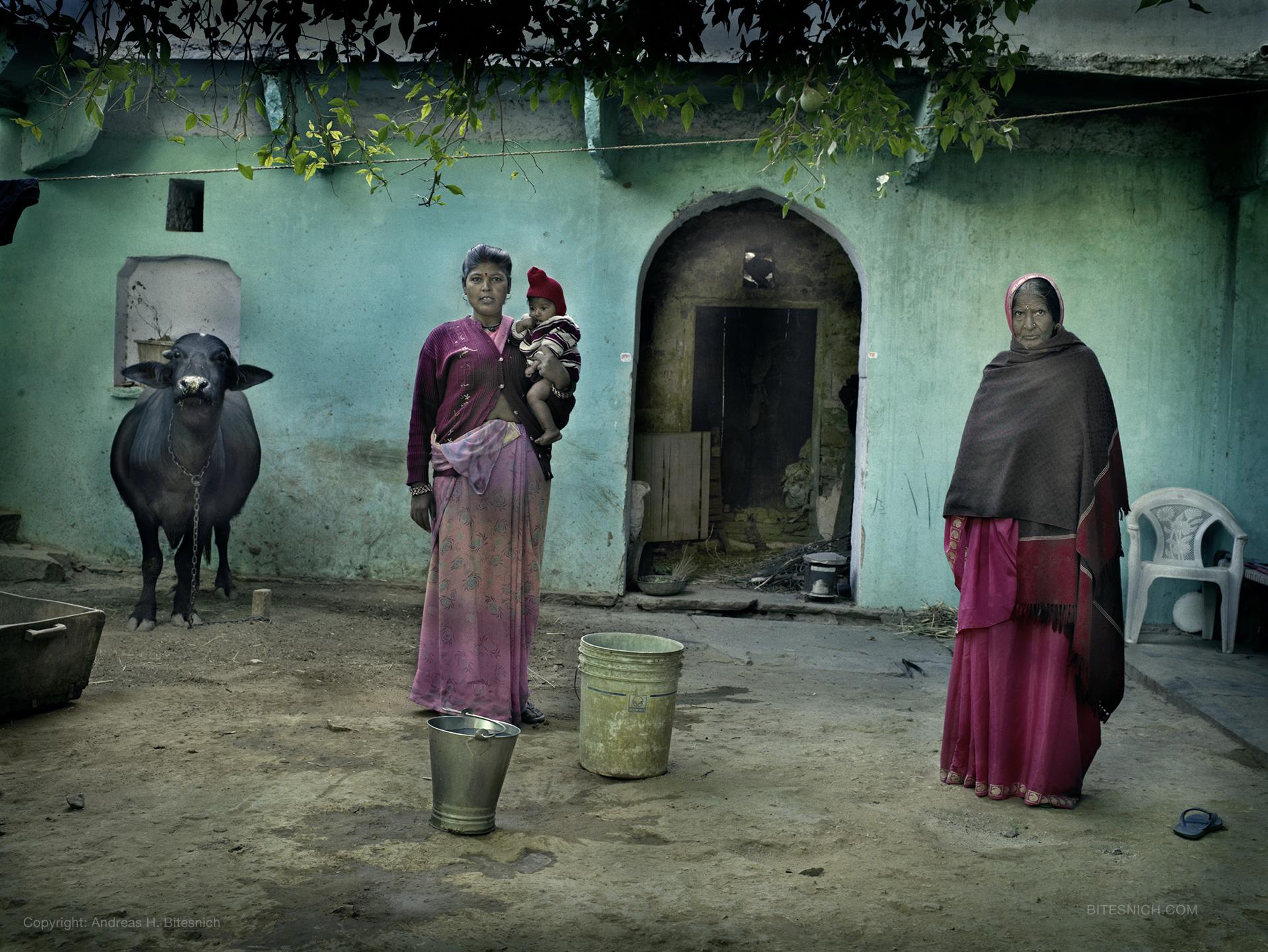 INDIA - der Bildband Erschienen 2019 im teNeues Verlag, 256 Seiten mit 175 Farb- und Schwarzweiss Aufnahmen