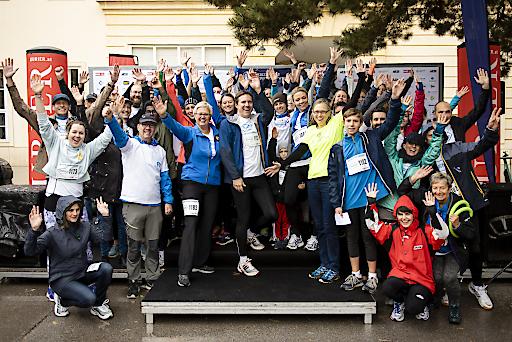 Knapp 200 Roche Mitarbeitende und deren Freunde und Familie nahmen am Krebsforschungslauf der MedUni Wien teil.