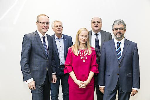 https://www.apa-fotoservice.at/galerie/20928 Im Bild: Dr Alexander Biach, Univ.Prof. Tor Iversen, Priv.Doz.Dr.Ulrike Famira-Mühlberger, em.o.Univ.Prof.Dr. Christoph Badelt, Univ.Prof.Dr. Heinz Rothgang
