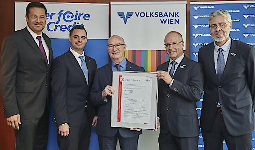 Verleihung des Zertifikates von TÜV AUSTRIA an die VOLKSBANK WIEN AG