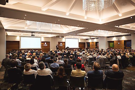 Auditorium bei Wirtschaftsforum des Österreichischen Apothekerverbands in Salzburg