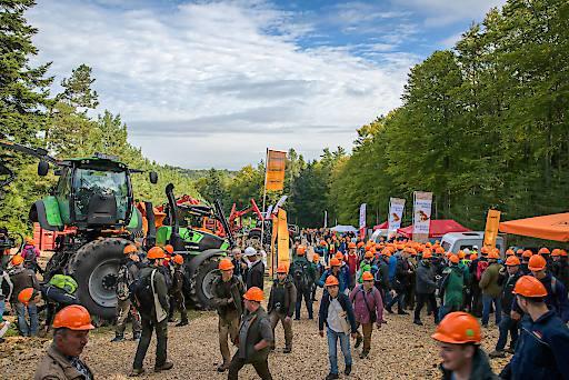 Forstmaschinen live im Arbeitseinsatz zu bestaunen