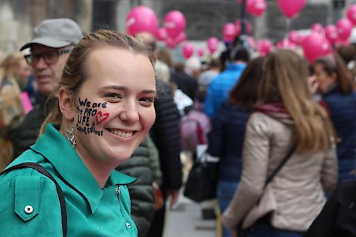 Die Pro Life Revolution geht weltweit vermehrt von den jungen Generationen aus. Mit Freude und Zuversicht setzen sich die Teilnehmer des Marsches für ihr Herzensanliegen ein - den Schutz jedes menschlichen Lebens sowie bessere Unterstützung von Frauen und Familien in Not und Alternativen zum Unrecht der Abtreibung.