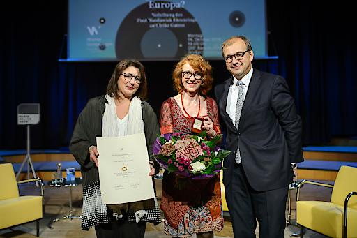 (v.l.n.r.) Veronica Kaup-Hasler (Stadträtin für Kultur- und Theaterwissenschaften), Ulrike Guérot (Preisträgerin des Paul-Watzlawick-Ehrenrings 2019), Thomas Holzgruber (Kammeramtsdirektor der Ärztekammer für Wien)