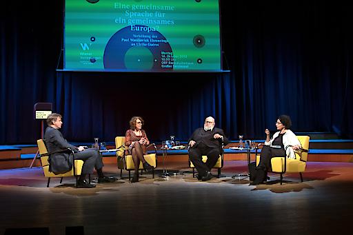 (v.l.n.r) Günter Kaindlstorfer (Moderator),Ulrike Guérot (Preisträgerin des Paul-Watzlawick-Ehrenrings 2019), Franz Schuh (Essayist und Wissenschafter), Isolde Charim (Philosophin und Publizistin)