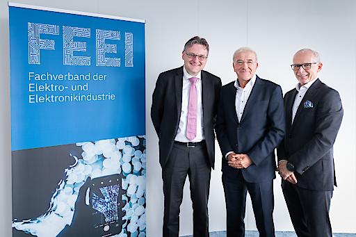 v.l.n.r.: Prof. Andreas Kugi (TU Wien), Dr. Kurt Hofstädter (Siemens Österreich AG), Dr. Manfred Müllner (stv. Geschäftsführer FEEI)