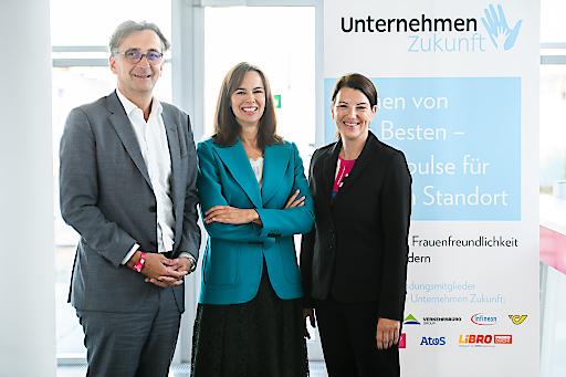 https://www.apa-fotoservice.at/galerie/20755 Johann Schachner (Geschäftsführer Atos Österreich), Vorstandsmitglied Unternehmen Zukunft; Sophie Karmasin (Karmasin Research), Geschäftsführerin Unternehmen Zukunft und Sabine Bothe, (Geschäftsführerin HR Magenta Telekom), stellvertretende Präsidentin Unternehmen Zukunft.