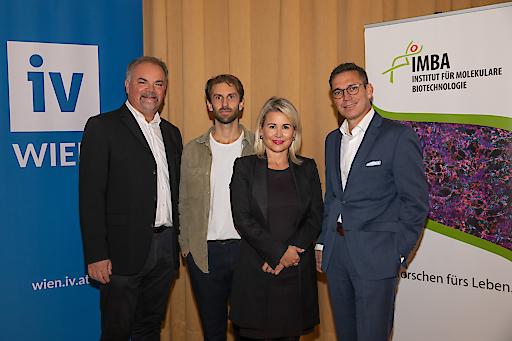 Industrie & Spitzenforschung im Dialog: Jürgen Knoblich (IMBA), Reiner Wimmer (IMBA), Ursula Simacek (IV-Wien) und Wolfram Schmidt (Biogen)