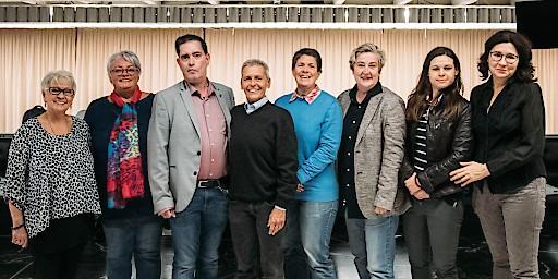 Team Queer Dance im Gemeindebau [v.l.n.r.: Lotte Hawa, Eveline Greger, Berthold Heber, Karin Erhart, Isabella Willrader, Ortrun Gauper, Jasmin Sommer, Mirela Mihaljevic]