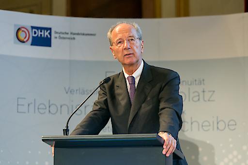 Hans Dieter Pötsch bei seiner ersten Rede als neuer Präsident der Deutschen Handelskammer in Österreich.