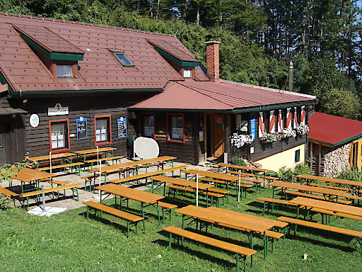 Lilienfelder Hütte (956 m), am Muckenkogel in den Gutensteiner Alpen (NÖ)