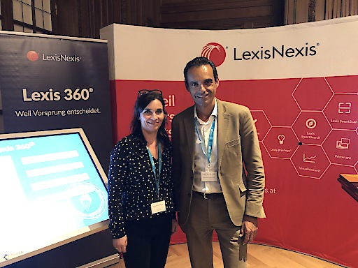 Susanne Mortimore (Director Sales & Marketing LexisNexis), Alberto Sanz de Lama (CEO LexisNexis) auf der Future Law Legal Tech Konferenz