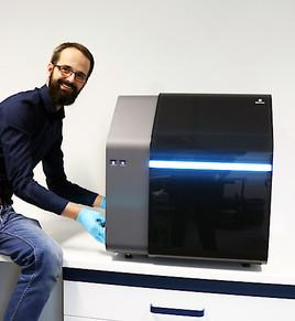 Erster ultraschneller Nano-3D-Drucker an der Medizinischen Universität Wien installiert