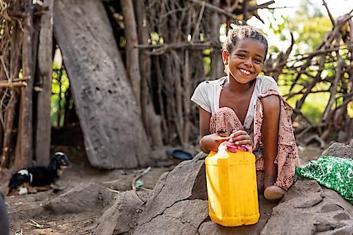 Die 10-jährige Abezu lebt im Dorf Didiksa, weit abgelegen im äthiopischen Hochland. Wie sich das Leben in ihrem Dorf durch die Hilfe von Menschen für Menschen verändert hat, erzählt die Hilfsorganisation in den kommenden Wochen: www.mfm.at/einmensch