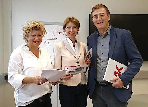 AK Präsident Goach, Finanzreferentin Land Kärnten Gaby Schaunig und Irene Hochstetter-Lackner, Beiratsvorsitzende