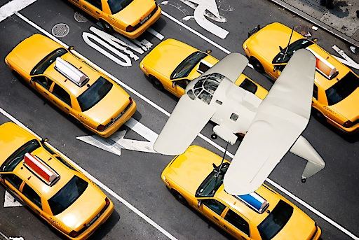 DUAFLY Flugtaxi von Oben über Taxis im Flug