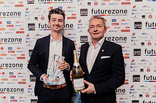 vialytics-CTO Achim Hoth und A1-CEO Marcus Grausam (v.l.n.r.) beim futurezone Award 2019 (Copyright: KURIER/Romar Ferry)