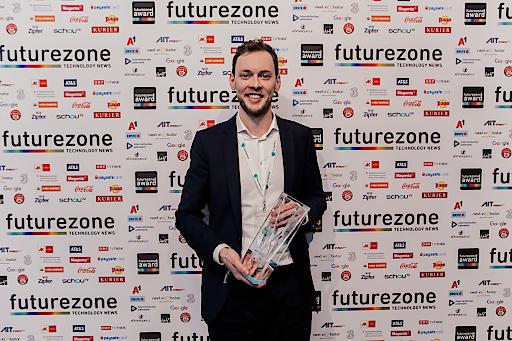 Too Good To Go-Country Manager Georg Strasser konnte sich über die Auszeichnung als App des Jahres und den Publikumspreis freuen (Copyright: KURIER/Romar Ferry)