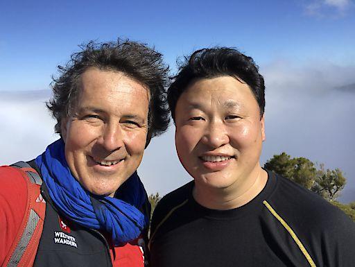 Christian Hlade mit dem Mongolei Partner Bangaa