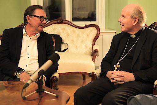Gerhard Klein im Gespräch mit Kardinal Schönborn.