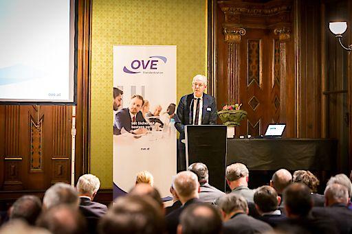 CENELEC-Präsident Dany Sturtewagen