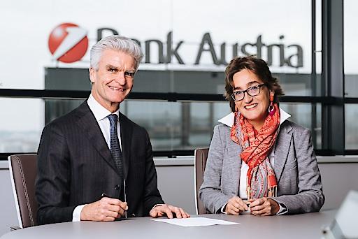 v.l.n.r.: Hubert Cottogni, Direktor des Europäischen Investitionsfonds, und Susanne Wendler, Vorstand der Unternehmerbank der UniCredit Bank Austria