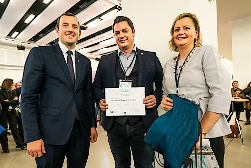 EU-Kommissar Sinkeviéius übergibt den CLLD Award an Max Homolka, TSE GmbH