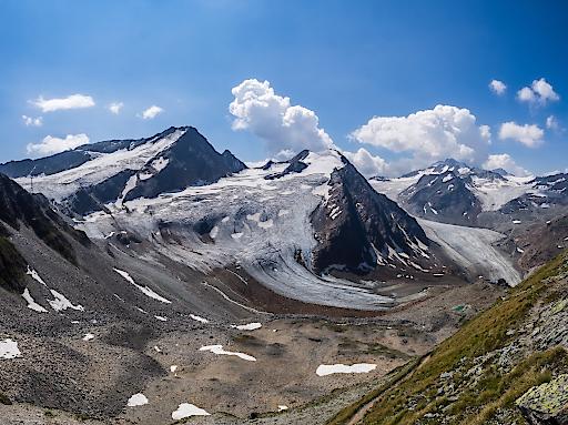 Mit dem Gebiet rund um den Linken Fernerkogel und den Gletschern Karlesferner, Hangender Ferner und Mittelbergferner würde zugunsten des Massentourismus eine gänzlich ursprüngliche und intakte Hochgebirgslandschaft endgültig zerstört werden.