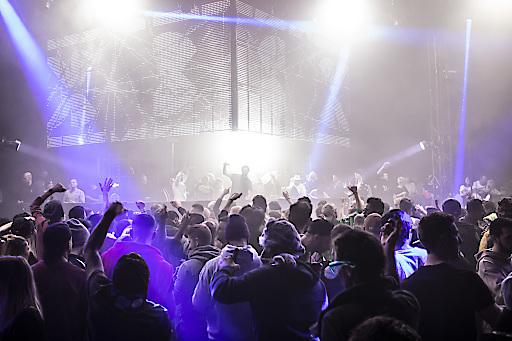 7.000 Technofans beim Rave on Snow 2019