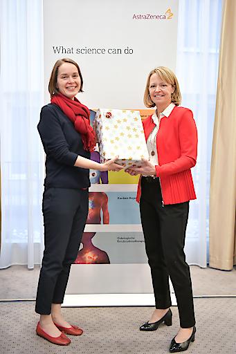 https://www.apa-fotoservice.at/galerie/20880 Corinna Wagner, Marketing/Kommunikation und Sarah Walters, Geschäftsführerin AstraZeneca Österreich.