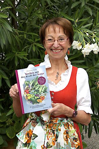 """Christine Saahs bei der Präsentation von """"Kochen mit der Kraft der Natur"""" im Sommer 2019"""