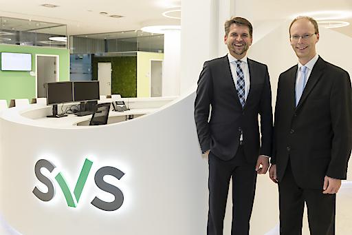 Bild zu OTS - https://www.apa-fotoservice.at/galerie/21953 Peter Lehner (links) und Hans Aubauer freuen sich über den Start der SVS