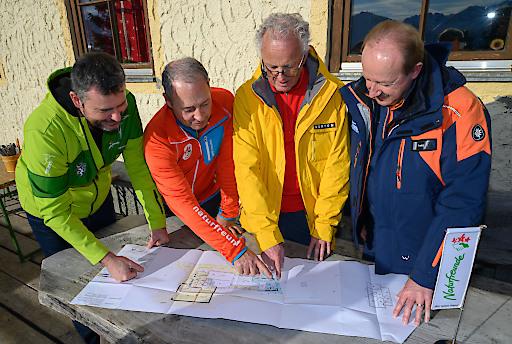 Die Pläne für den Umbau wird studiert.