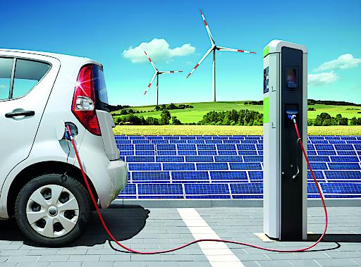 Das neue Bachelorstudium Energie- & Nachhaltigkeitsmanagement* der FH Kufstein Tirol fokussiert Klimawandel, Energiewende, Digitalisierung für Energie- & Nachhaltigkeit und regenerative Energien sowie dazugehörige Marktmechanismen.
