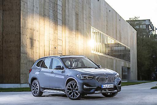 Platz eins der beliebtesten BMW Group Modelle in 2019 erreicht zum wiederholten Mal der BMW X1 mit 3.318 Einheiten. Damit ist das kompakte Sports Activity Vehicle weiterhin das beliebteste Premium-Automobil der Österreicherinnen und Österreicher. Die Neuzulassungen des BMW X1 wuchsen im Vergleich zu 2018 sogar um 1,3 Prozent an (2018: 3.277 Einheiten).
