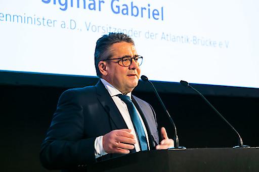 Sigmar Gabriel, deutscher Bundesaußenminister a.D. und Vorsitzender der Atlantik-Brücke e.V. beim Neujahrsempfang der Deutschen Handelskammer in Österreich.