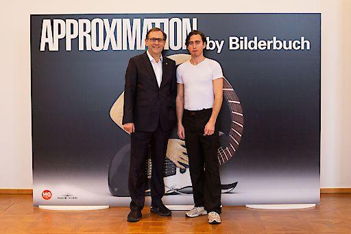 v.l.n.r.: Christian Strasser, Direktor MuseumsQuartier Wien; Maurice Ernst, Bilderbuch