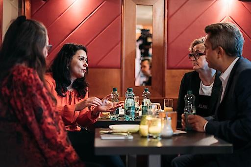 Netzwerken und Frühstücken im Café Saus & Braus mit dem TEAM WERBUNG WIEN