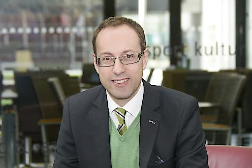 Portraitbild des Rektors der FH Kufstein Tirol.