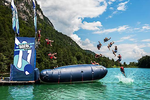 Blobbing: Der Sport mit großem Fun-Faktor ist von vielen Events am Wasser gar nicht mehr wegzudenken.