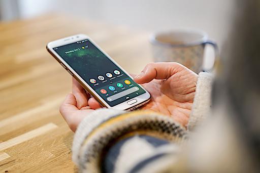 Doro startet mit Smartphones und Services für Senioren in Österreich